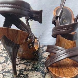 Qupid wood sandals size 7 NWOB